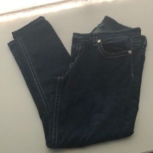 Seven jeans with stone pockets